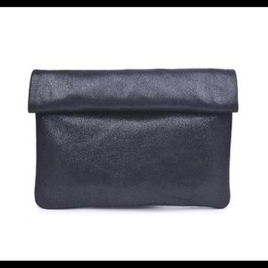 Gianna Metalic clutch - in Black